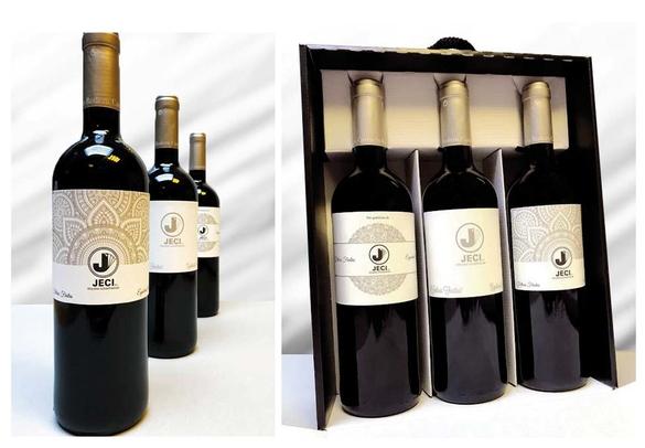 Botellas de Vino con etiquetas hechas con serigrafía